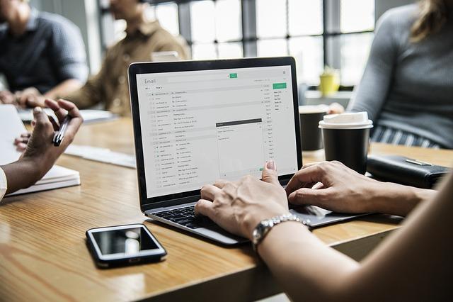 ビジネスメールに関する返信の例文