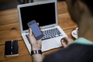 「取り急ぎ」の意味と正しい使い方|ビジネス敬語・メールの例文を紹介のイメージ